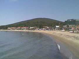 Psakoudia, Chalkidiki, beach from east, Apr 2015.jpg
