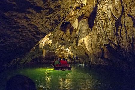 Punkevni jeskynie17(js).jpg