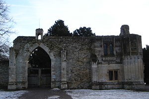 Ramsey Abbey Gatehouse Front.JPG