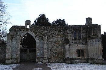 Ramsey Abbey Gatehouse Front.JPG