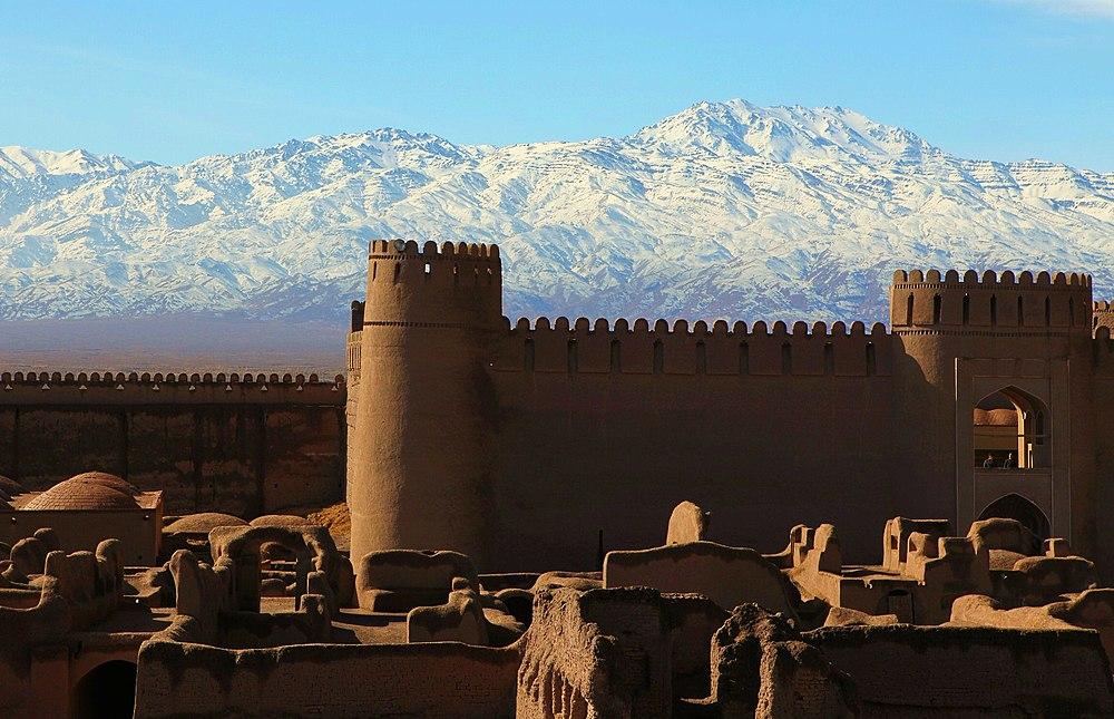http://upload.wikimedia.org/wikipedia/commons/thumb/9/97/Rayen_Castle_Kerman.jpg/1000px-Rayen_Castle_Kerman.jpg