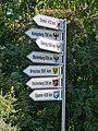 Richtungsschilder Osten Hof 20200920 141536.jpg
