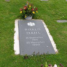 Dahl's gravestone