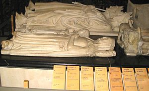 Robert II of France - Effigies of Robert II (middle) and Constance d'Arles (front) at Basilique Saint-Denis.