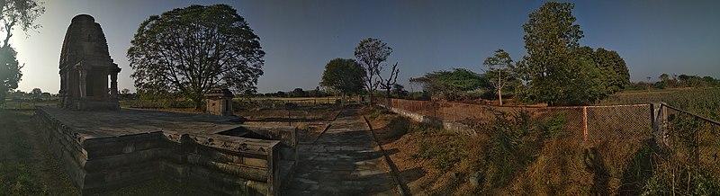 800px-Roda_Temples-1.jpg