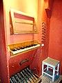 Roma - S.Giacomo in Augusta - consolle organo Borghese.jpg