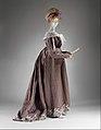 Round gown MET DT9803.jpg