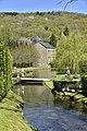 Ruisseau s'écoulant vers l'étang du Moulin (28911986805).jpg