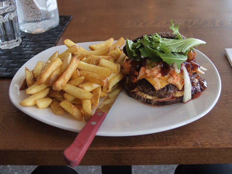 Rye hamburger in J%C3%A4tk%C3%A4saari