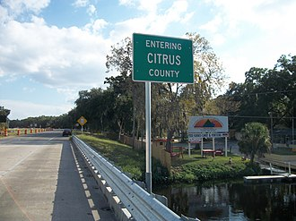 U.S. Route 98 in Florida - Southbound US 19-98 as they cross the Withlacoochee River between Levy and Citrus Counties.