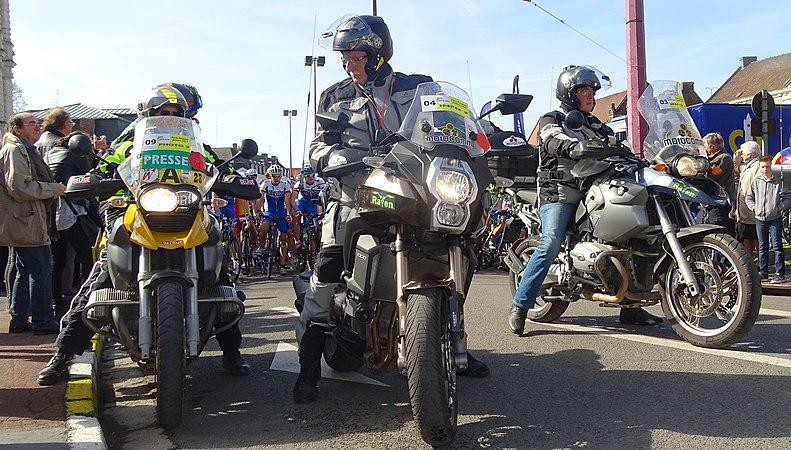 Saint-Amand-les-Eaux - Paris-Roubaix juniors, 12 avril 2015, départ (A90).JPG