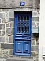 Saint-Flour 10 place de la Halle-aux-Bleds porte.jpg