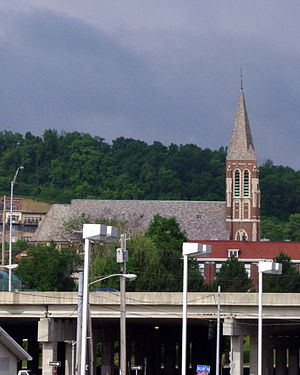 Interstate 75 in Kentucky - Saint John the Evangelist Church (Covington, Kentucky) as seen from the east side of Interstate 75.