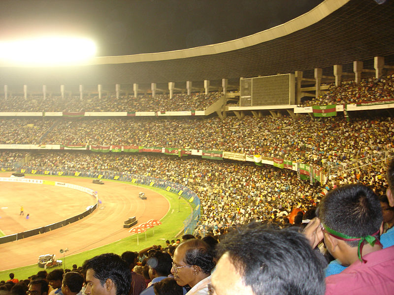 File:Salt Lake Stadium ( Yuba Bharati Krirangan ) Kolkata India - FC Bayern Munich Mohun Bagan Oliver Kahn 1.jpg