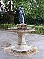 Salzachweibchenbrunnen 2.JPG