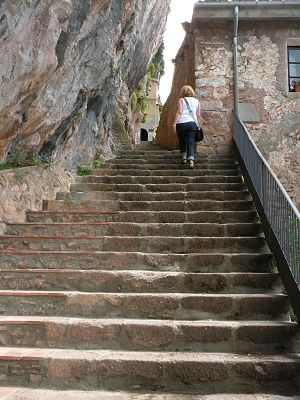 English: Santa Maria de Montgrony: Climb stair...