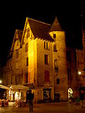 File:Sarlat-medieval-city-by-night-18.jpg