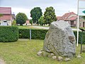 Schlunkendorf - Findling (Erratic Block) - geo.hlipp.de - 39193.jpg