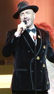 Serhat (singer) at the 2015 Golden Butterfly Awards.JPG