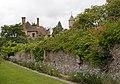 Sissinghurst Gardens 10 (4907893442).jpg