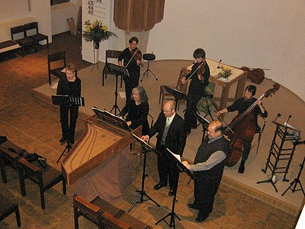 Baroque cantata with one voice per part Soloquartet and strings.jpg