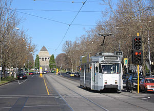 Looking away from the city along St Kilda Road...