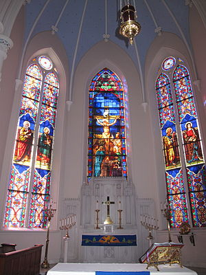 Versus populum - The chancel of St. Matthew's Lutheran Church in Charleston containing the former ad orientem altar, and a new versus populum altar