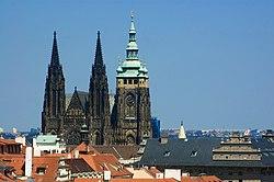 250px-StVitusCathedral-Prague-CZ-roofs-towers Ĉeĥoslovakio
