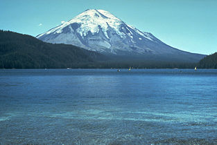 St Helens before 1980 eruption horizon fixed.jpg