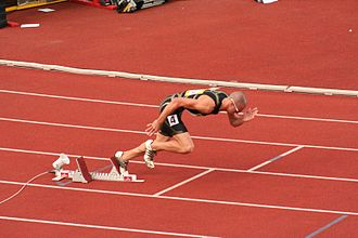 Jeremy Wariner beginning a race from the starting blocks Start Jeremy Wariner 2007.jpg