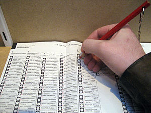Dutch general election, 2006 - In some municipalities voting was done using the old red pencil / paper method.
