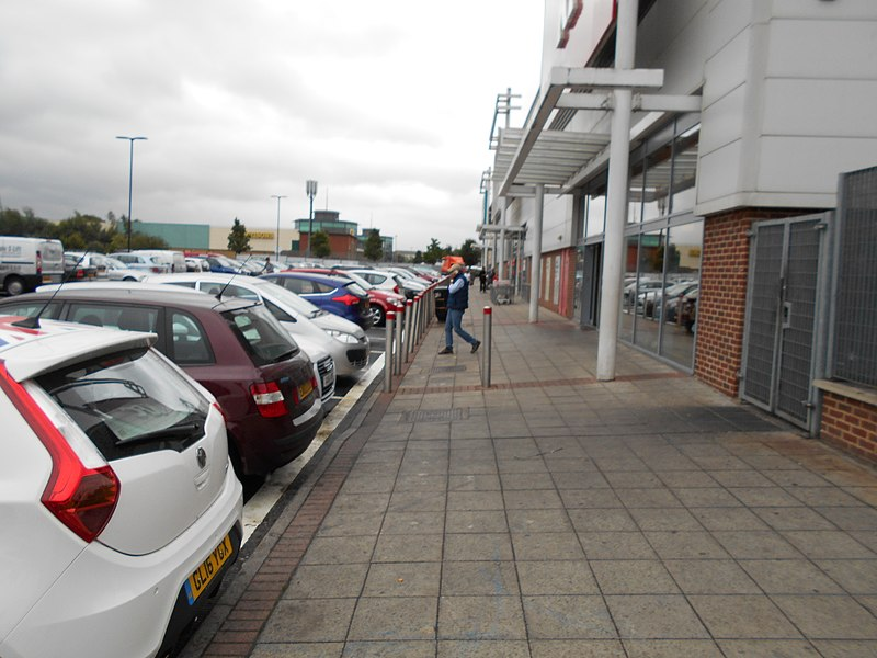 File:Strood Retail Park 1.jpg