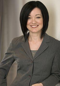 Sue Gardner Headshot A (medium) FULL.jpg