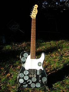 La sua Fender Esquire specchiata