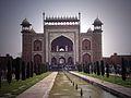 Taj Mahal and grounds 09.jpg
