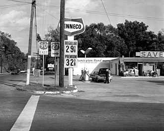 Tenneco - A Tenneco filling station in Tallahassee, Florida in 1967.