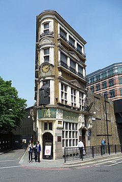 The Black Friar Pub, London EC4.JPG