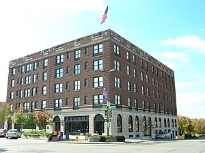 Massachusetts Street - The Eldridge Hotel, 2004