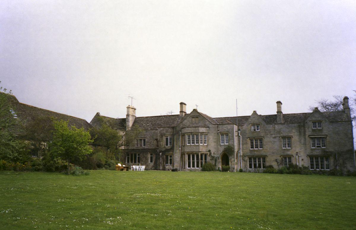 The manor studio wikipedia for Home manor