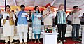 """The Minister of State for Housing and Urban Affairs (IC), Shri Hardeep Singh Puri administering the """"Swachhta hi Sewa"""" pledge to the people, in New Delhi on September 24, 2017.jpg"""