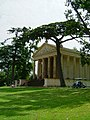 The Temple of Concord and Victory, Stowe Landscape Gardens - geograph.org.uk - 343668.jpg