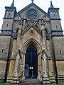 Theale, Holy Trinity Church.jpg