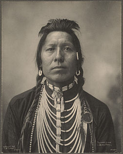 Thunder Cloud, Blackfeet.Photographié par Frank Rinehart en 1898.