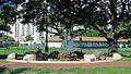 Thurston Triangle Fountain. Kapahulu, Honolulu - panoramio.jpg