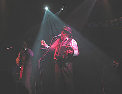 The Tiger Lillies auf einem Konzert in Prag, Mai 2005