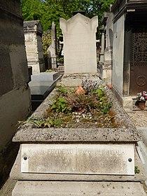 Tombe de Georges Feydeau (division 30).jpg