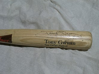 Baseball bat - A Tony Gwynn game-used and autographed baseball bat