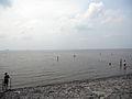 Tossens Baden in der kalten Nordsee.JPG