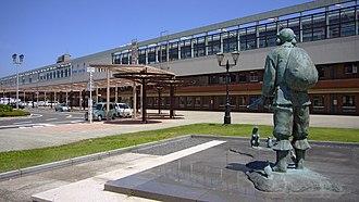 Tottori Station - Tottori Station southern entrance, July 2006