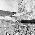 Trekker in marmer veroorzaakt door over belasting ten gevolge van beweging Vierschaar. - Amsterdam - 20011771 - RCE.jpg